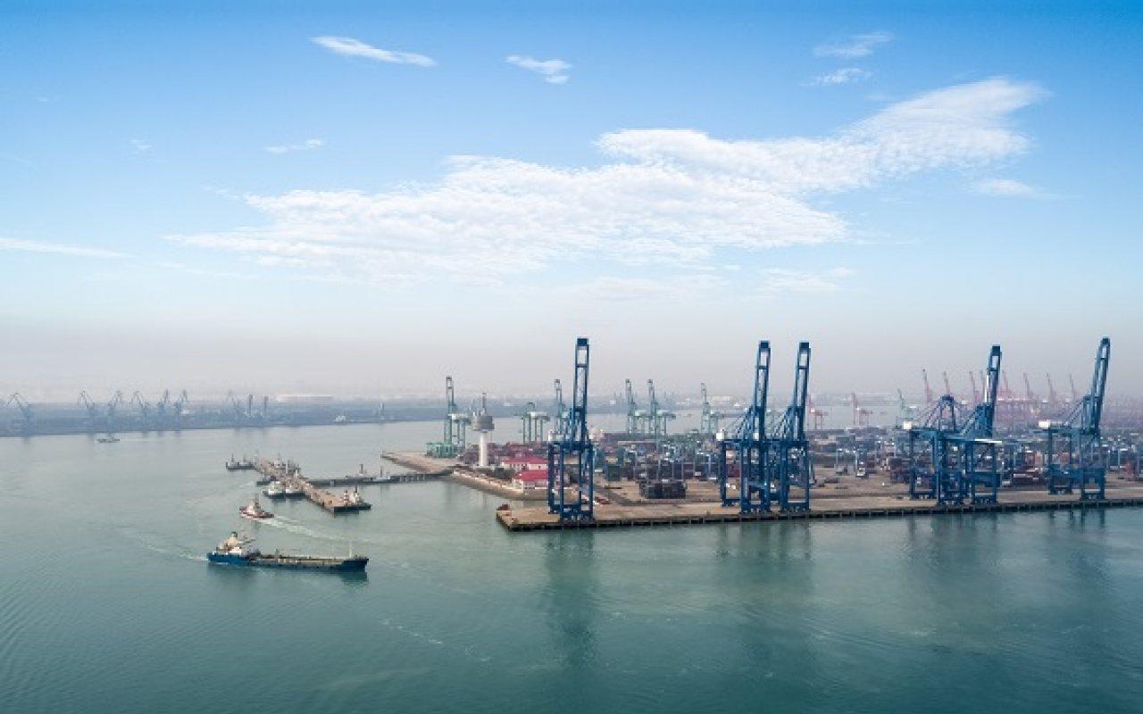 ABB_Tianjin_Port_Cranes2_1280_800_84_s_c1
