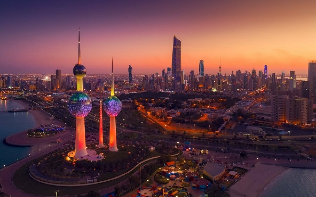 kuwait_skyline_1280_800_84_s_c1