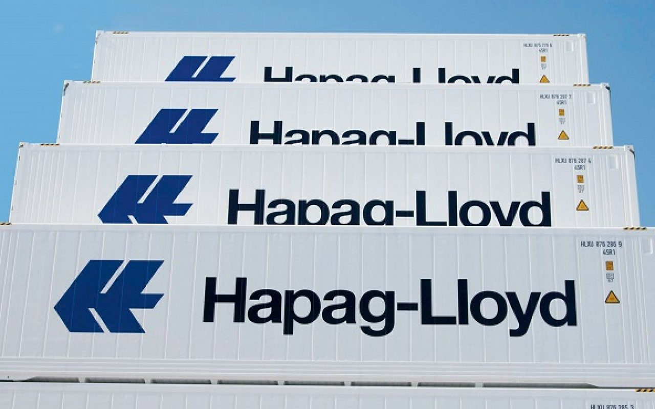 Hapag_Llloyd_Stacked_Reefer_Containers_1280_800_84_s_c1