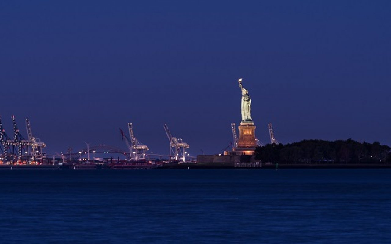 new_york_port_1280_800_84_s_c1