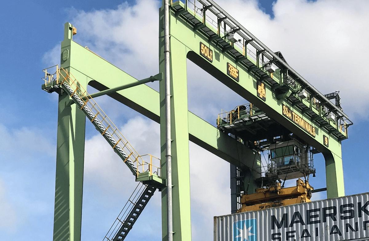 Oakland-crane-
