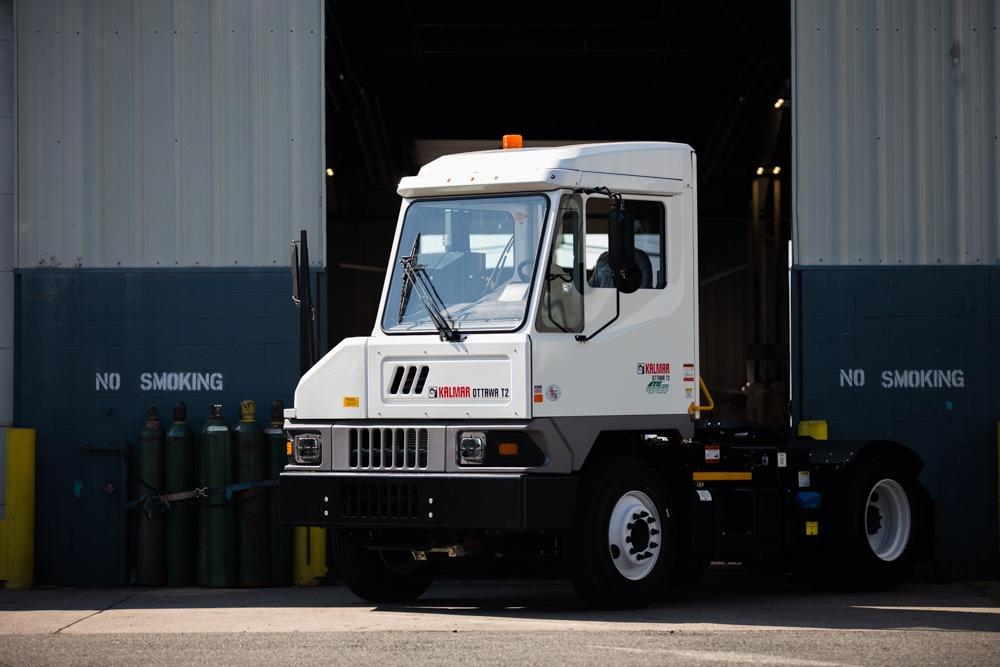 ottawa-t2-terminal-tractor-2