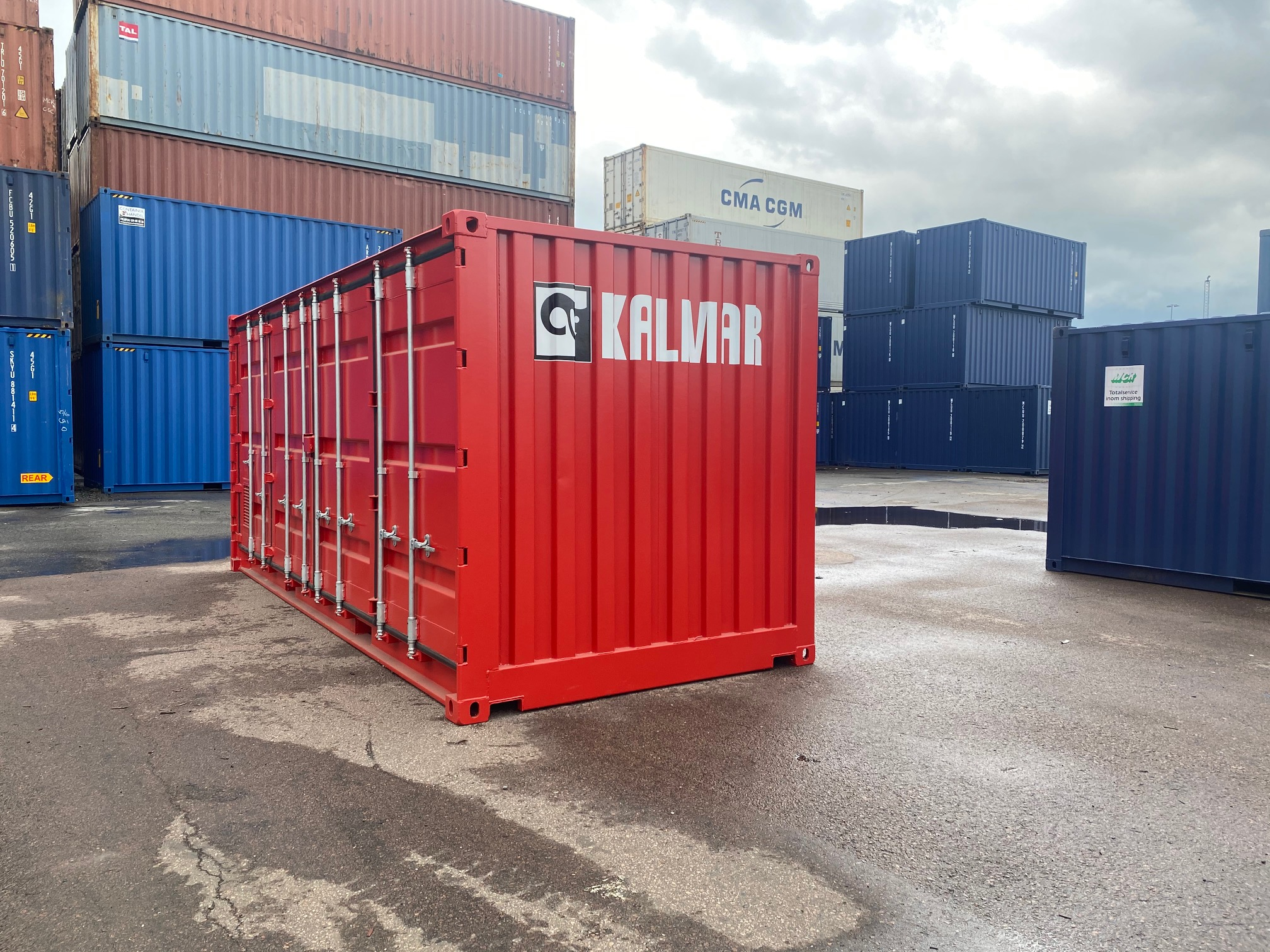 Kalmar unveil containerised ChargePod