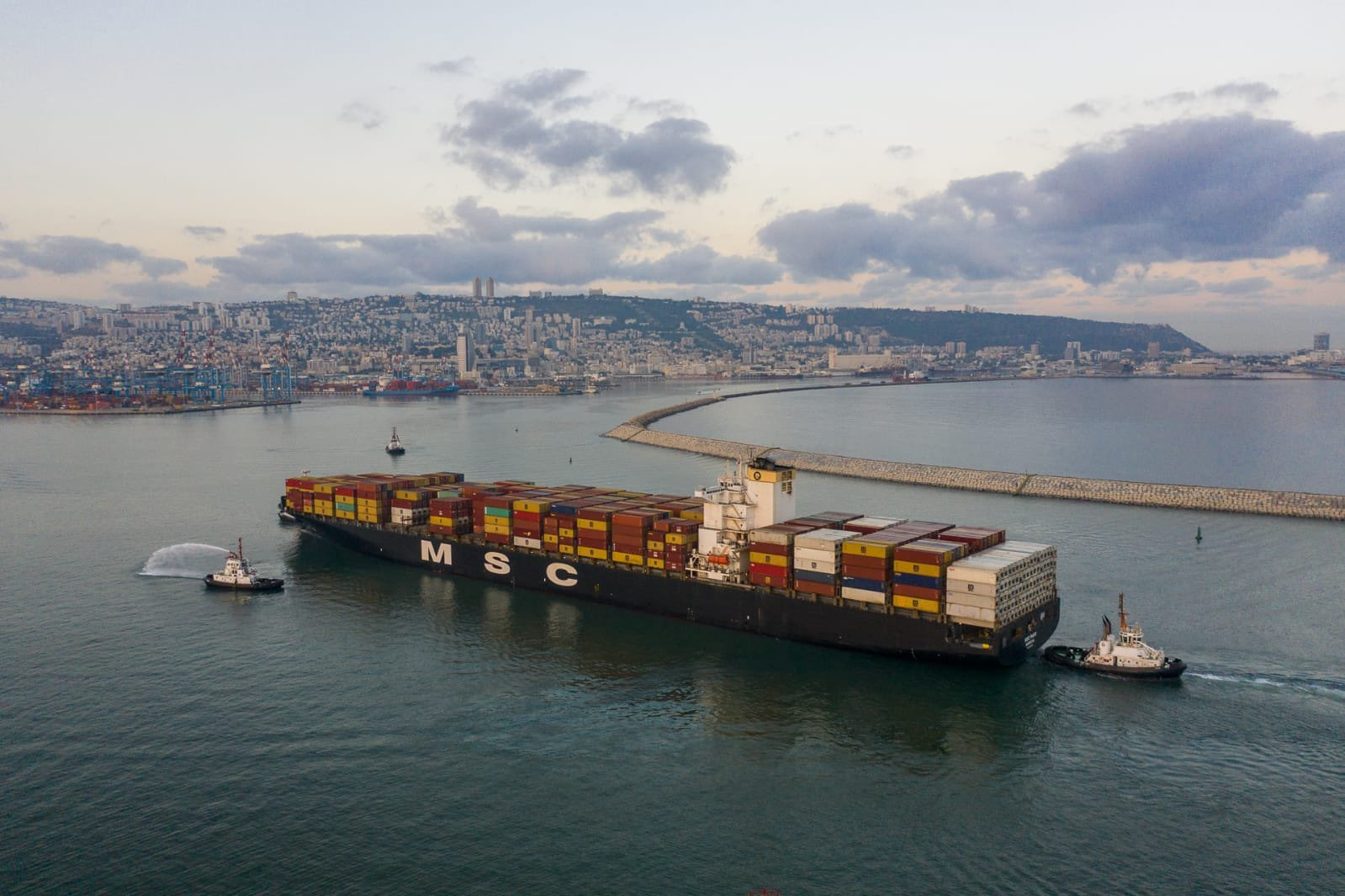 The MSC Paris made history by calling at the Port of Haifa