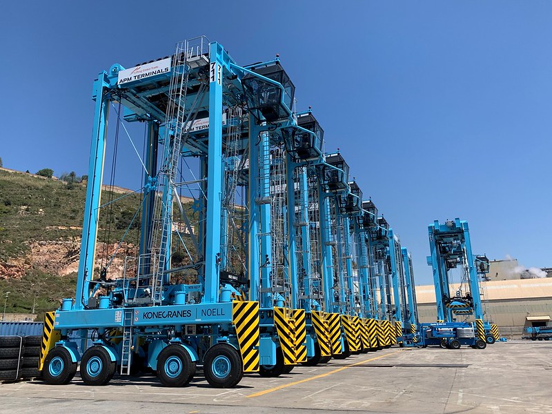 APMT Barcelona installs automatic weighing in straddle carriers