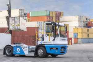 Terberg launches tests of hydrogen-powered tractor at Port of Rotterdam
