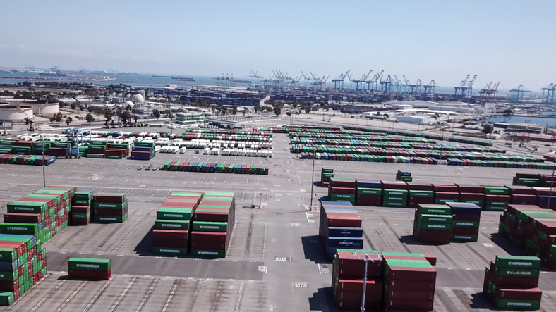 Mayor of Los Angeles calls for more eco-friendly tech at port