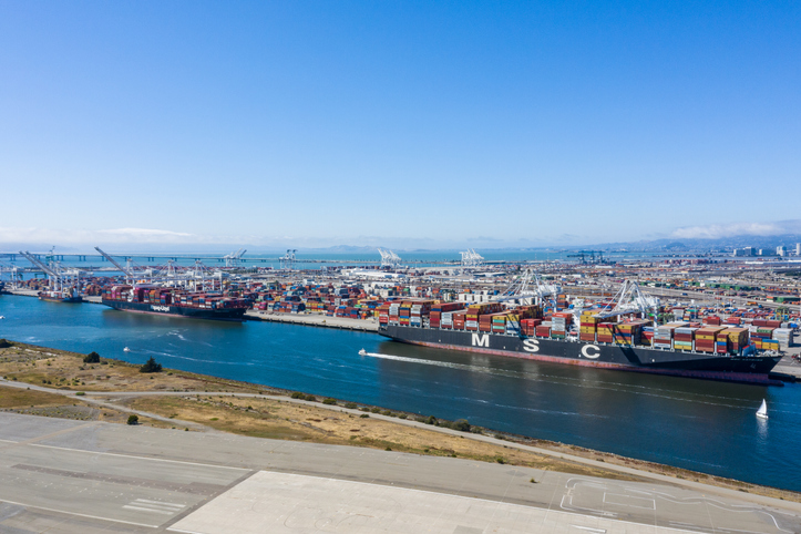 Port of Oakland sees volumes rise by more than 10%