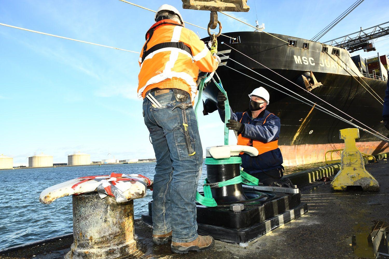 Port of Rotterdam launches smart bollard trial
