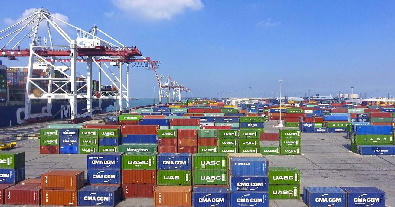 Port de Dunkerque, terminal des conteneurs. Quai de Flandre