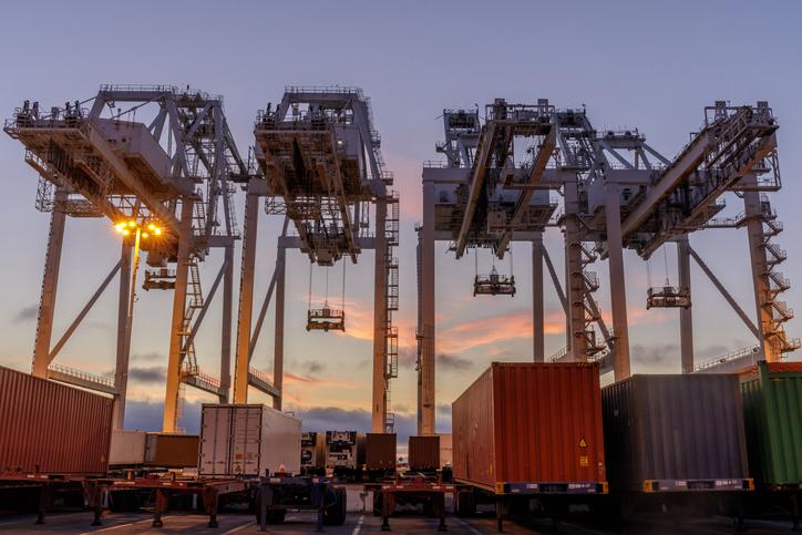 Oakland International Container Terminal, Alameda County, California, USA.