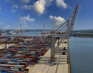 DP World completes rail extension at Port of Southampton