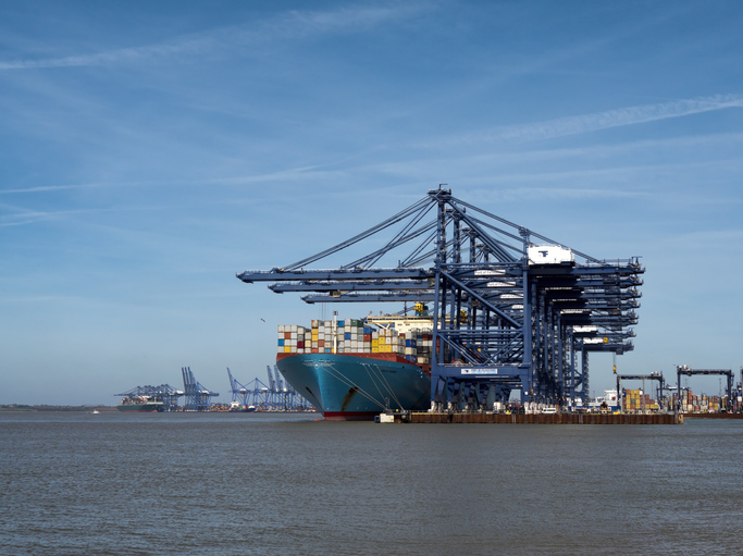 UK government plans to cut shipping emissions
