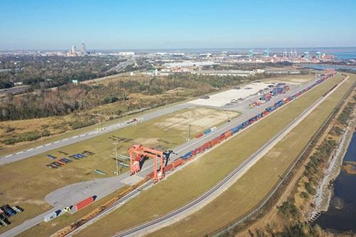 210720-apm-terminals-mobile-railyard-facility