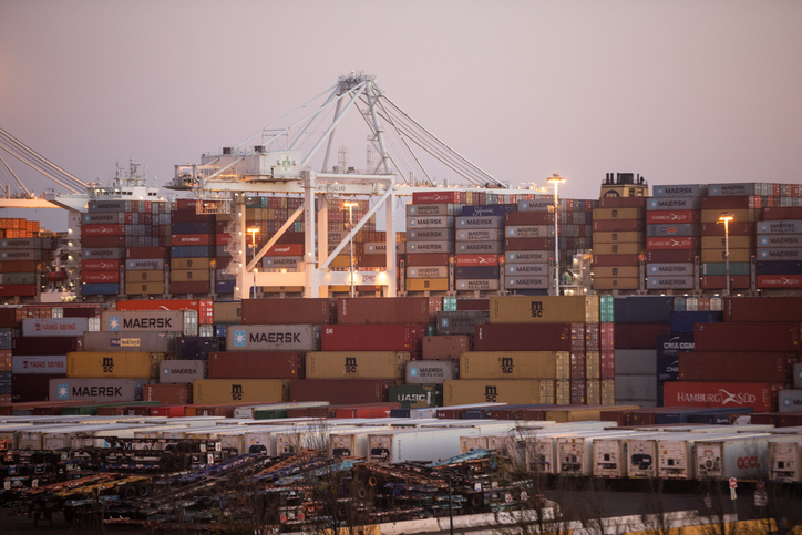 Port of Oakland sees year-long surge end