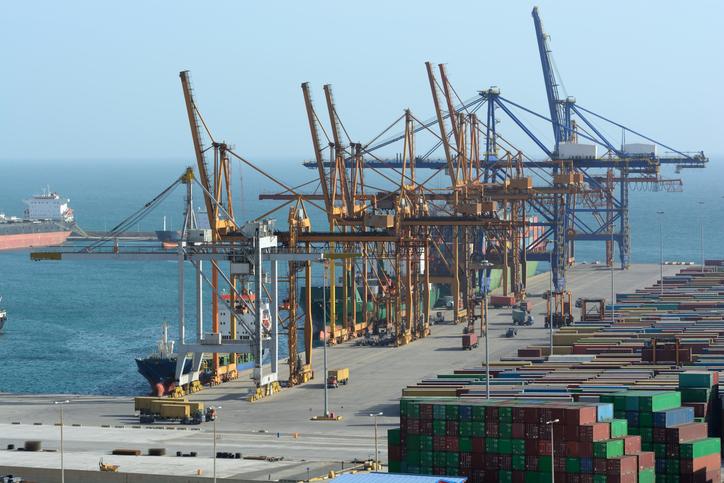 ZPMC delivers 'smart core' quay cranes to Piraeus