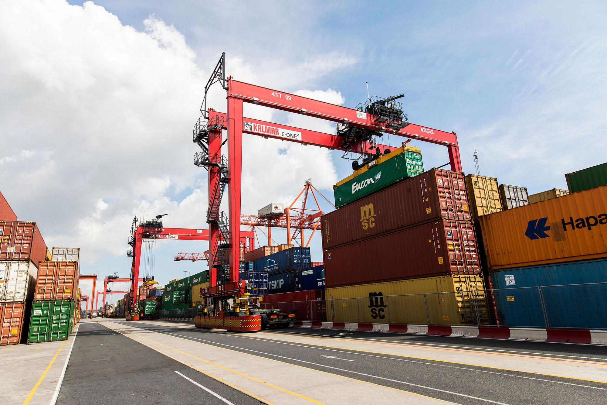 image-1-kalmar-autortgs-at-dublin-ferryport-terminals-