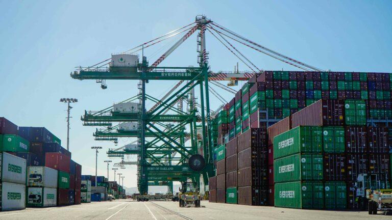 Port of Oakland crane