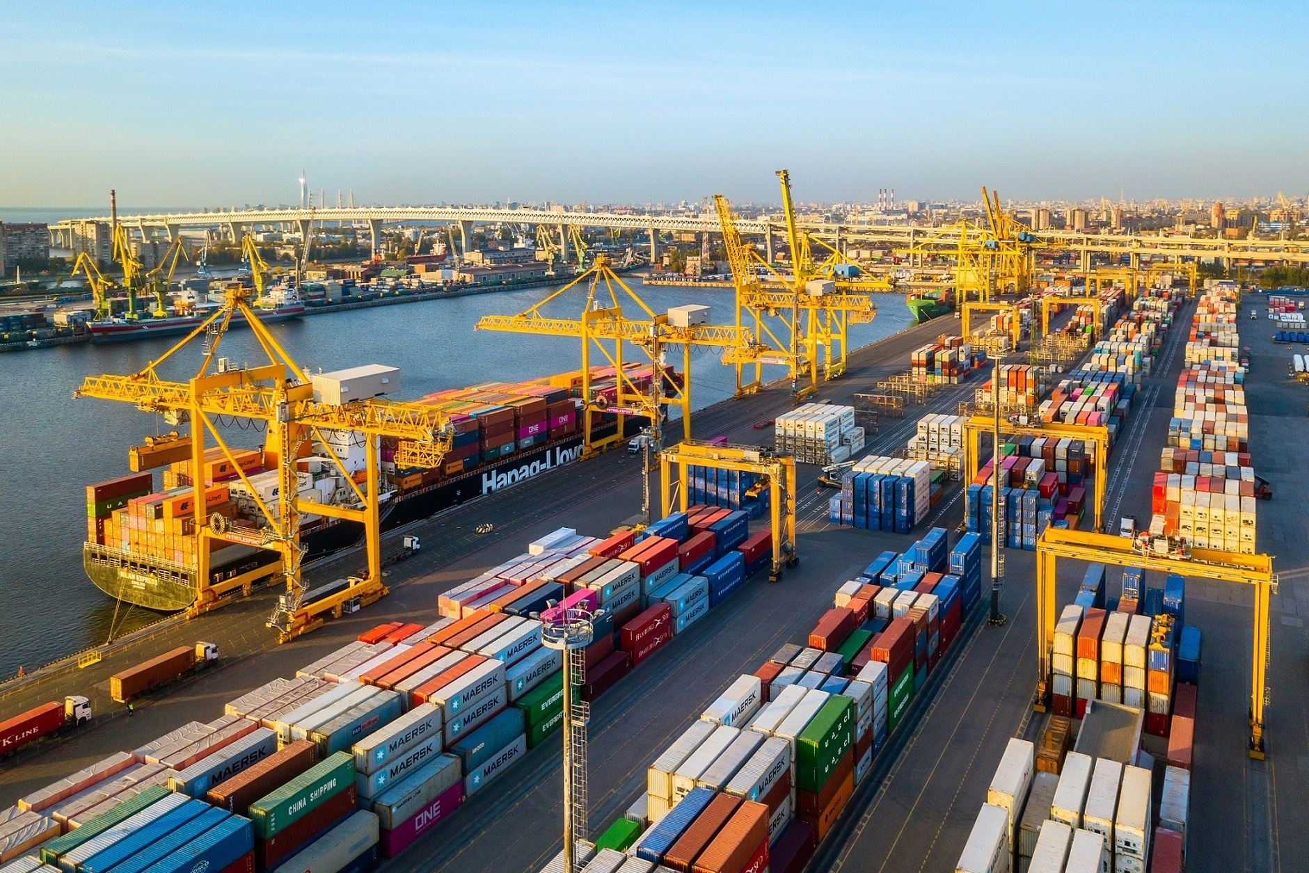 The new equipment will increase the speed of accounting for cargo when handling vessels and vehicles